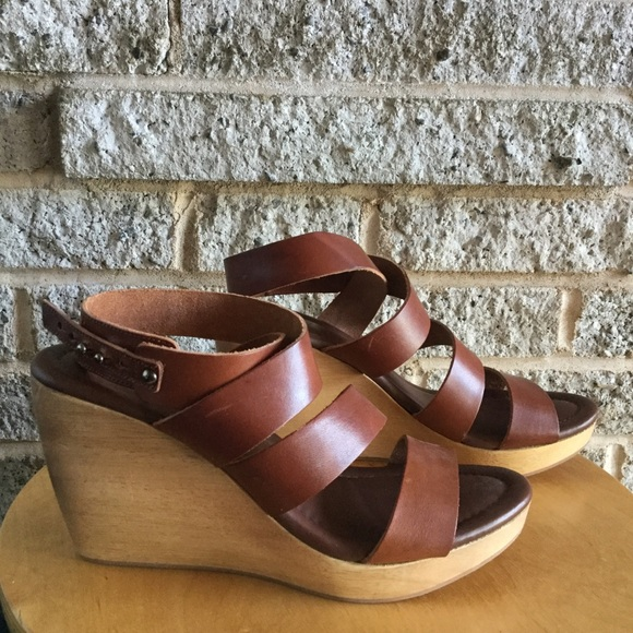 836cd3697620 Madewell Shoes - Never worn Madewell wood clog wedge leather sandal